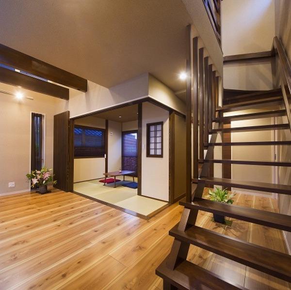 和モダン空間の家