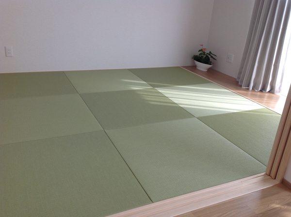 畳の和室は落ち着きますね!